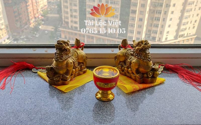 Cặp Tượng Tỳ Hưu Bằng Đồng, Ly Đỏ