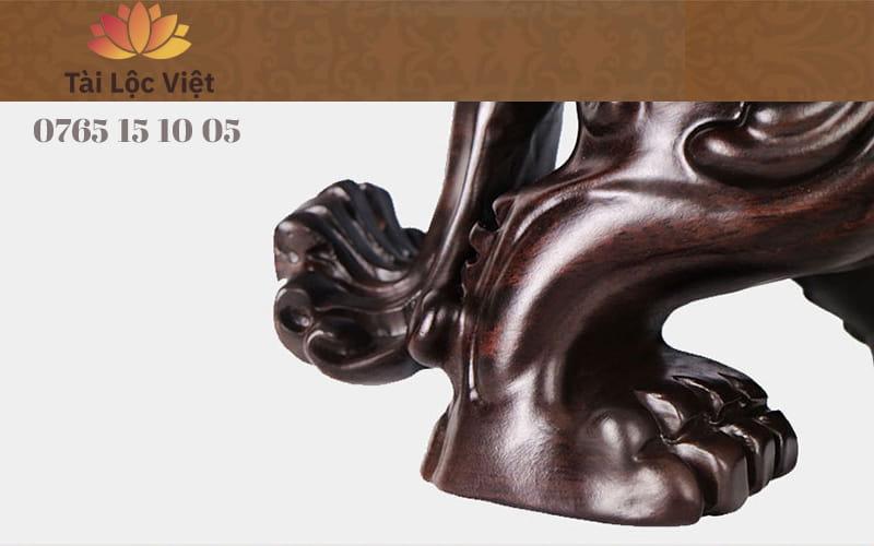 Chân Sau Tượng Tỳ Hưu Phong Thủy bằng Gỗ Mun Đen Hoài Cổ