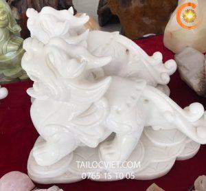 Cặp tượng Tỳ Hưu bằng đá cẩm thạch trắng