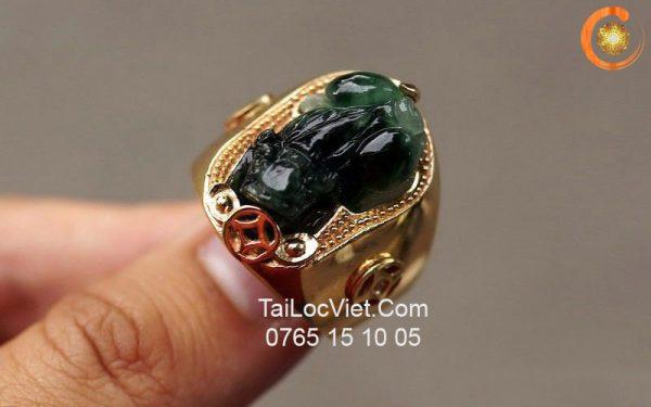 Nhẫn nam Tỳ Hưu bằng đá cẩm thạch (ngọc phỉ thúy)