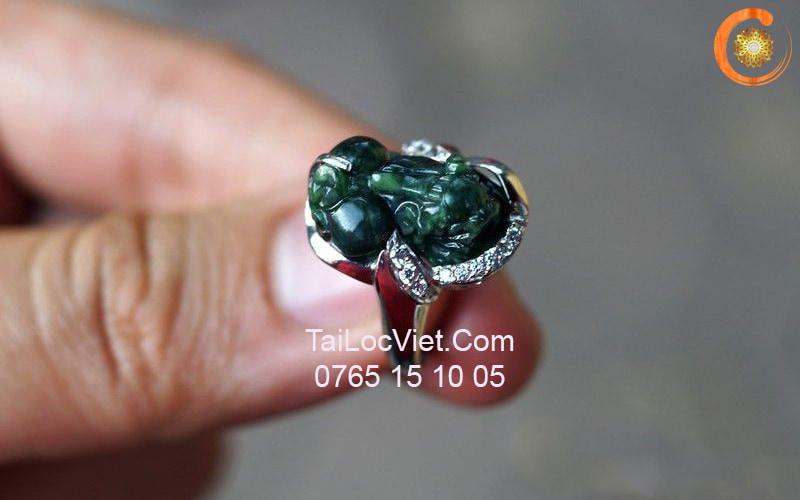 Nhẫn Tỳ Hưu đá cẩm thạch xanh