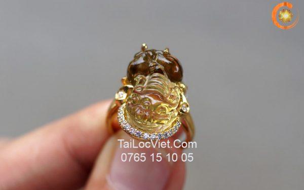 Nhẫn Tỳ Hưu đá thạch anh vàng, bọc vàng