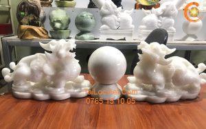 Cặp tượng Tỳ Hưu đá cẩm thạch trắng