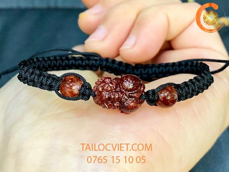 Mẫu vòng đeo tay Tỳ Hưu bằng đá thạch anh tóc đỏ