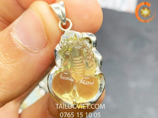 Mặt dây chuyền Tỳ Hưu bằng đá thạch anh vàng bọc bạc