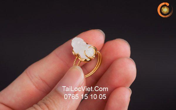 Nhẫn Tỳ Hưu nữ đá mặt trăng Moonstone mini