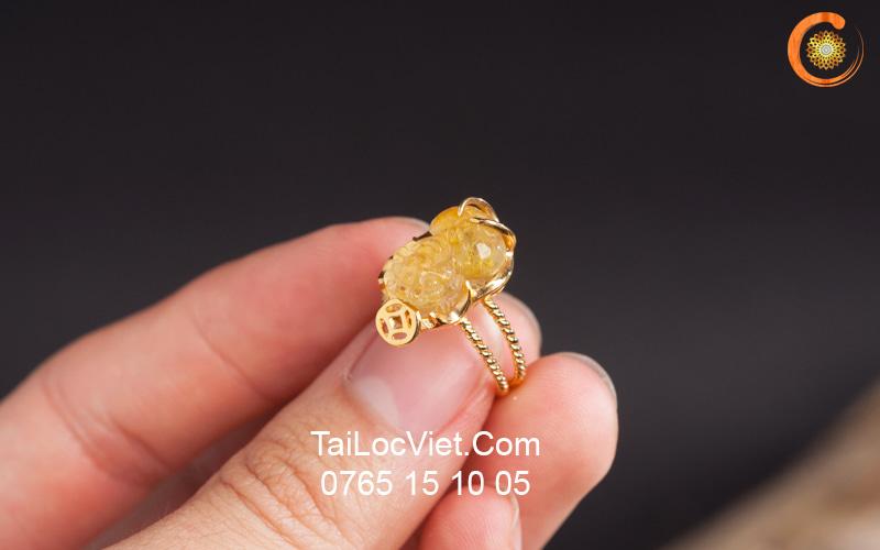 Nhẫn Tỳ Hưu thạch anh tóc vàng mini