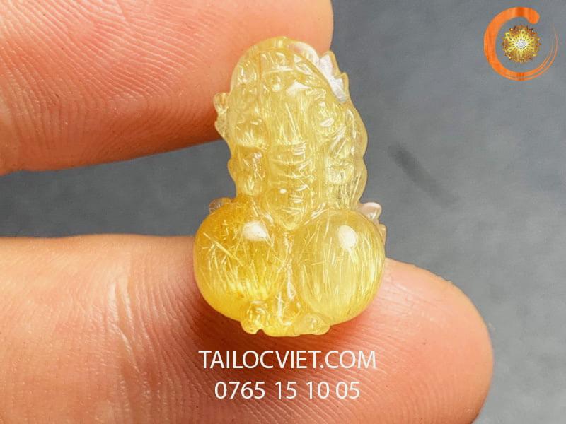 Mặt Tỳ Hưu đeo cổ bằng đá thạch anh tóc vàng